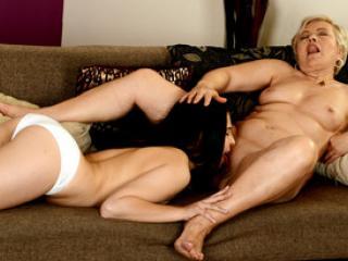 Candy Belle baise avec la vieille lesbienne Ursula Grande