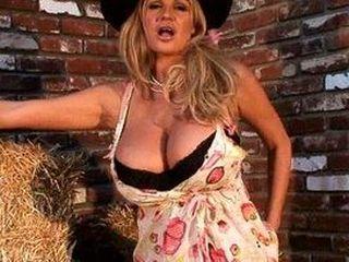 Les énormes seins de Kelly Madison en vidéo
