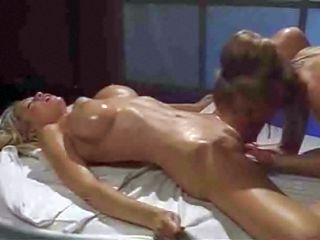Massage de lesbienne